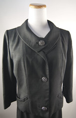 Vintage 1950's skirt and jacket suit set (Sweet Vintage Lady) Tags: mod panam bombshell madmen greysuit midcenturyfashion skirtset officefashion vintagewomensuit vintageskirtset sweetvintagelady charcoalgreywomenssuit 50swomensuit 60swomensuit emanuelboykoff himelhochsdetroit