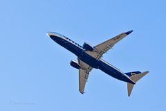 Destino - algún lugar (Jose Casielles) Tags: color luz alicante cielo avión aeropuerto vacaciones destino viajar yecla viajeros vieje altet urbanova fotografíasjcasielles