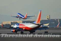 N352SW (Threshold Aviation Photography) Tags: las vegas southwest photography one star airport aviation lone boeing airlines klas mccarran threshold b737 b737300 n352sw