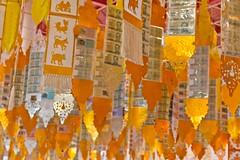 (MaxSkyMax) Tags: canon thailand temple gold chiangmai wat thailandia