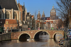Walk down the streets of Rembrandt.... (martin alberts Pictures of Amsterdam) Tags: amsterdam redlightdistrict rembrandt sintnicolaaskerk 1012 oudekerk wallen unescoworldheritagelist abigfave redlightarea ozvoorburgwal unescowerelderfgoed ozachterburgwal martinalberts oudekerksbrug blinkagain brug206 postcode1012