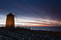 St Monans Light Painting (Alec Kirkham) Tags: light windmill field sunrise shore monans