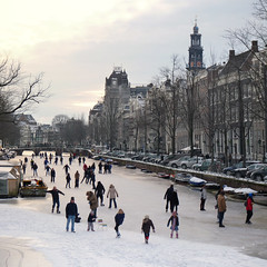 Amsterdammers sharpen their blades and hit the ice (Bn) Tags: winter people cold holland ice netherlands dutch amsterdam geotagged frozen topf50 downtown iceskating skating joy kinderen nederland freezing first canals age skate temperature topf100 mokum occasion rare grachten topf200 pleasure skates blades winters stad harsh keizersgracht jordaan 2012 westertoren d66 ijs gluhwein schaatsen koud amsterdamse ijspret hendrick chocolademelk grachtengordel hollandse oudhollands 100faves 50faves 200faves gekte winterse sferen avercamp ijzers ijsplezier jordanezen geo:lon=4887028 geo:lat=52376614 ijsnota