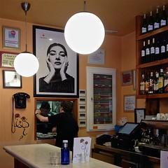 125 / 366 (lufegu) Tags: bar restaurant maria indoors chandelier callas lamps interiordesign ambience ruleofthirds mariacallas comoposition restaurantdecir hanginglamas