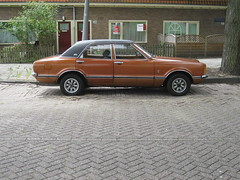 23-AX-23 FORD Taunus TC1 2300 GXL V6, 21-11-1973 (ClassicsOnTheStreet) Tags: ford amsterdam sedan voiture streetphoto spotted saloon taunus 1973 berline streetview v6 tc1 pkw 2011 2300 berlina gespot gxl straatfoto carspot kometensingel cwodlp 23ax23
