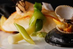 Dos de barbue poché aux coques et moules d'Irlande - Vertig'O restaurant - Hotel de la Paix Geneva (Concorde Hotels Resorts) Tags: seafood guide 1star michelinguide gourmetrestaurant vertigorestaurant