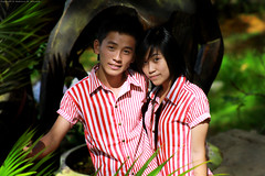 Couple <3! (Abdulaziz Al-furaydi) Tags: boy man love boyfriend girl canon garden asian women girlfriend couple vietnam dalat 550     550d   canon550        canon550d 550 550 550
