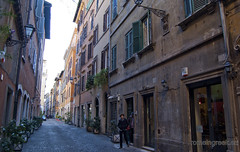 "via dei Coronari • <a style=""font-size:0.8em;"" href=""http://www.flickr.com/photos/89679026@N00/6481926923/"" target=""_blank"">View on Flickr</a>"