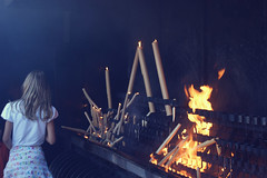 Serie Inferno. Fátima I (Jhonny Catanho) Tags: travel portugal church colors girl vintage children fire pain monumento hell culture iglesia retro niña story viajes inferno fuego fogo velas madeira humo cultura fatima dolor fátima infierno sufrimiento virgendefatima devilfolclore