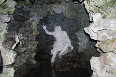 599-25L (Lozarithm) Tags: stourhead nt stourton solstice sculpture statue grotto k5 smcpda1770mmf4alifsdm pentax zoom 1770