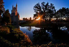 The Sun Also Rises (Tom.Bricker) Tags: castle sunrise nikon disneyworld waltdisneyworld magickingdom goldenhour wdwfigment tombricker nikond7000