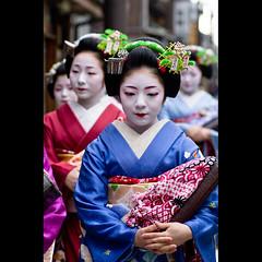 (Masahiro Makino) Tags: japan photoshop canon eos kyoto maiko adobe   tamron 90mm f28 lightroom miyagawacho   60d toshiteru  20111205094511canoneos60dls640p