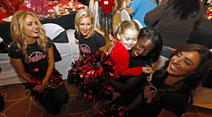 111205_Bucs_Cancer_Xmas_Party_0024
