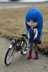 15/365 (luxielou) Tags: bike doll blythe 365 bluehair shea sss motorcycleboots