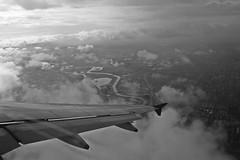 Bogota (Campanero Rumbero) Tags: bogota colombia avion airplane ala nubes clouds sky cielo ciudad city metropoli speed arrivando travel turismo trip despegue