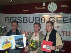 2003 Uitslag verloting. Anne Nawijn en Bart Kerssies zijn de gelukkigen