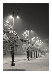 Snowing and snowing... (robert ragan) Tags: winter bw snow night square nikon slovensko slovakia lamps banskbystrica ragbass mygearandme