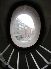 Monument window (Martyn Hird) Tags: monument cityoflondon greatfireoflondon sirchristopherwren puddinglane
