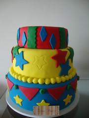 BOLO DECORADO (Atelier Tati Bonotto) Tags: cupcake bolos lembrancinhas minibolos chocopop cakepop minipodemel bolipops bolonopalito bolosdeaniversarios