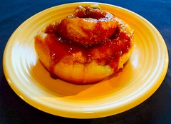 Fresh Baked Cinnamon Bun (ezigarlick) Tags: food dessert baking cinnamon fresh homecooking bun baked cinnamonbun