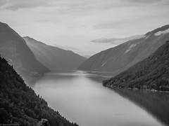 Fiordo ... (JL.Pizarro) Tags: no noruega sognogfjordane