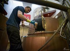 Bierbrouwer Texels Bier (PortSite) Tags: man holland netherlands beer nikon nederland naturallight kettle brewery bier mann paysbas hombre texel gh homme noordholland wort brouwerij lumirenaturelle mout 2016 koken bajos  brouwer  portsite provincie 14mm natuurlijklicht   d3s  gerardkrol
