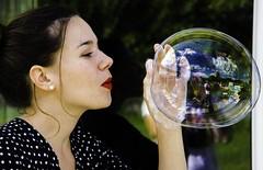 La Bulle (Antoine Camilli) Tags: reflection art nature girl nikon shoot toulouse antoine bulle camilli d7000 antoinecamilli