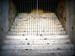 Stairs for the Lions (Françoise Soavi) Tags: italy rome roma stairs pantheon scales coliseum italie escaliers colisee