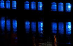 U-Bahnhof Spittelmarkt (Songkran) Tags: berlin licht nacht ubahnhof ubahn blau spree mitte songkran reflexionen spiegelungen nikond300s thomasbraunerberlin