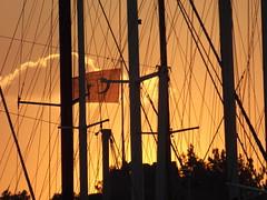 coucher de soleil  Bodrum (vincentello) Tags: sunset port turkey de soleil boat flag coucher turquie bateau bodrum drapeau