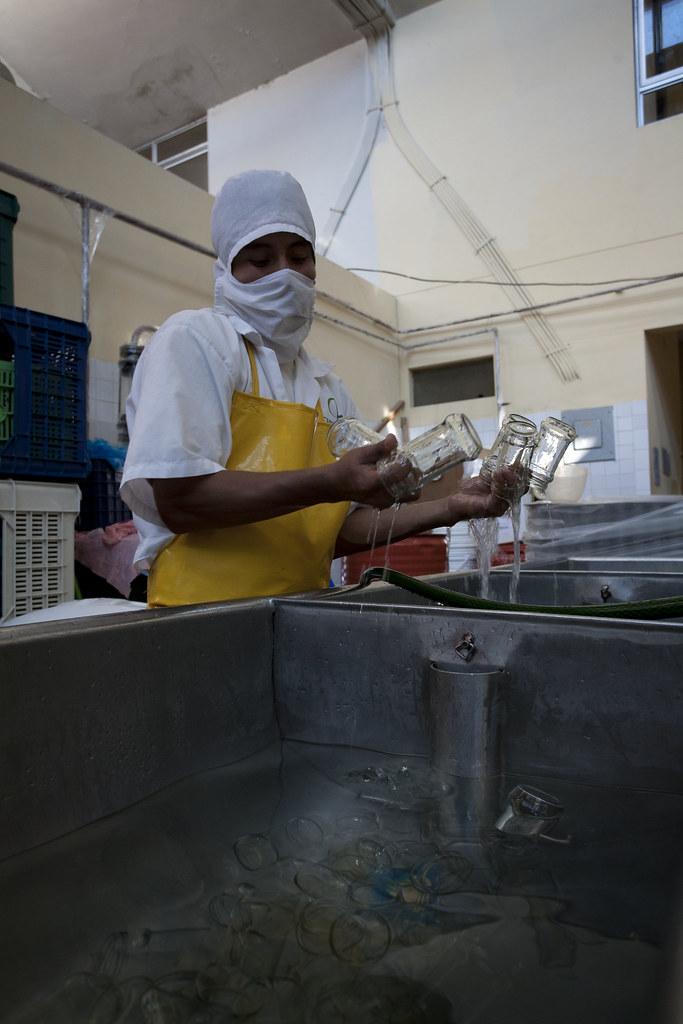 Fabrique confiture  CEPICAFE - Nettoyage des pots