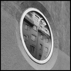 Bull's Eye - testing #streetmate - #camera+ (crop+frame) #iphone4 - #geoseventyfour #vienna #jj (geoseventyfour) Tags: square squareformat normal iphoneography instagramapp uploaded:by=instagram