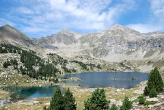 Estany Gmena (macondianito) Tags: blue red white black green yellow 1001nights finegold 1001magiccity fineplatinum finediamond