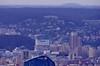 Depuis le sommet de la tour Montparnasse, Paris, le siège de BOUYGUES Telecom à Issy-les-Moulineaux, la Tour Horizon à Boulogne-Billancourt, la Forêt de Meudon
