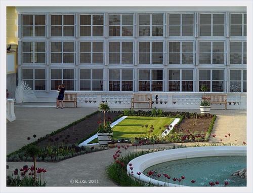 Schlosshof: Broderie westliche orangerie2 2011-05
