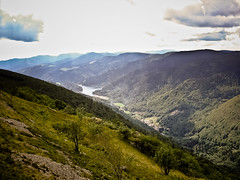 Lac de Kruth-Wildenstein (Zaskars) Tags: 2005 clouds vacances sony lac alsace nuages paysage barrage vosges montagnes 68 valle routedescrtes kruth wildenstein dscp93a projectweather