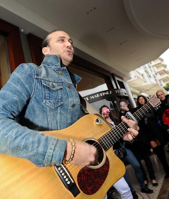 Merwan Rim show cas devant ses fans - Hôtel Martinez, Cannes