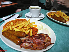 #croydonfunweekend a2 (bellaphon) Tags: london breakfast bacon cafe beans chips sausages eggs croydon fryup greasyspoon fullenglish goldenchefsgrill
