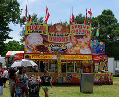 Jumbo Funnel Cakes (Eddie C Morton) Tags: green monument beer festival feast crackling louisiana gator wwii alligator champion drinking bbq queen lizard capitol barbecue barbeque calling hog fried budweiser cajun boudin creole confederates jambalaya cochondelait mansura monumentqueen