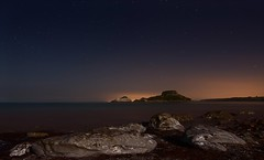 Hendaye (Tatxon) Tags: blue sea orange beautiful rock night marina stars mar nikon rocks shot nightshot tokina nightlight estrellas nocturna moonlight roca rocas d610 1628 gaueko 1628mm gauekoa