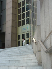 Steps to Standard Chartered Bank (Canadian Pacific) Tags: building architecture modern stairs logo hongkong office head 4 central steps bank  hongkongisland banking corporateidentity centraldistrict standardchartered  desvoeuxroad  schaapje   bankology  ap1140263