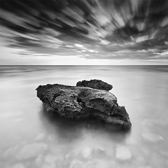 The Bird Rock (239 Seconds) (DavidFrutos) Tags: longexposure sea bw costa seascape beach water monochrome rock clouds sunrise square landscape monocromo coast mar agua rocks playa paisaje bn alicante amanecer filter le lee nubes canondslr roca rocas 1x1 filtro largaexposicin filtros neutraldensity canon1740mm gnd8 graduatedneutraldensity densidadneutra davidfrutos 5dmarkii niksilverefexpro leebigstopper singhraygallenrowellnd3ss