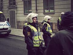 Poliskvinnor (Johnny Sderbergs nya) Tags: people folk panasonic persons personer mnniskor lx3 individer panasoniclumixlx3