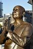 Statue de Sri Chinmoy à Aker Brygge, sur le port de Oslo. (XavierParis) Tags: nikon xavier xavi hernandez iberica d700 xavierhernandez xyber75 xavierhernandeziberica