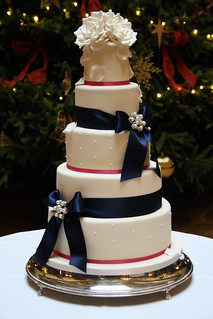 Last wedding cake of 2011 by Cotton and Crumbs