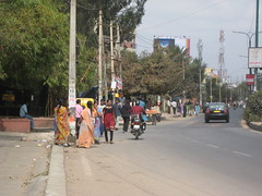 Whitefield, Bangalore, India 148 (Design for Health) Tags: people india bangalore sidewalk vehicles pedestrians rightsofway whitefield photographerannforsyth