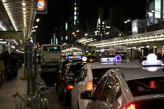 (quashlo) Tags: kyoto neon taxi arcade busstop  kawaramachi   shijo  kyotocity         shijodori retailstreet nakagyoward kyotomunicipalbus