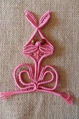 Coniglio rosa (patty macram) Tags: bijoux creazioni macrame accessori margarete macram margaretenspitze