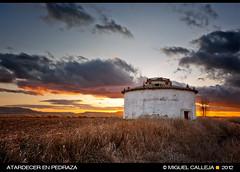 ATARDECER EN PEDRAZA (Miguel Calleja) Tags: sunset atardecer palencia castillaylen pedrazadecampos
