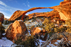 How? (James Neeley) Tags: landscape utah arches archesnationalpark naturalwonder hdr 5xp jamesneeley flickr24 landcsapearch